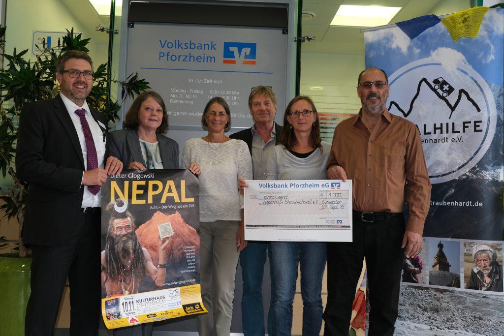 Nepal Aid_Übergabe Spende