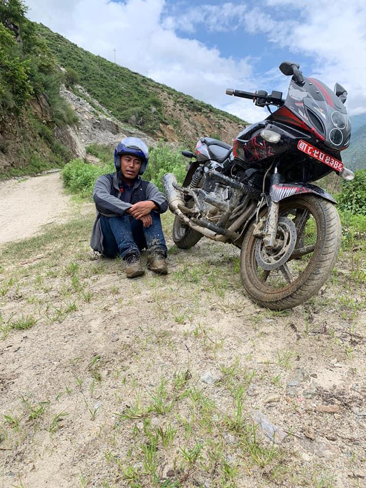Dawa mit dem Motorrad